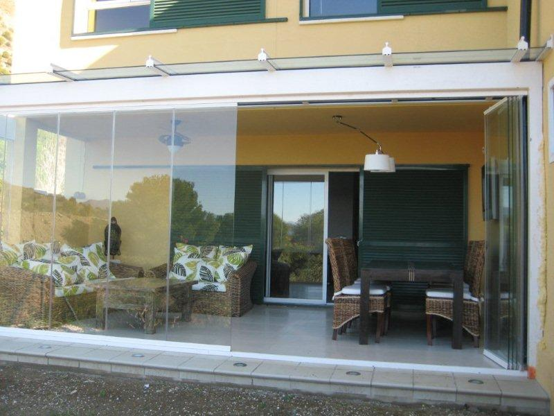 Cerramientos de aluminio y cristal de terrazas en valencia for Cerramiento aluminio terraza